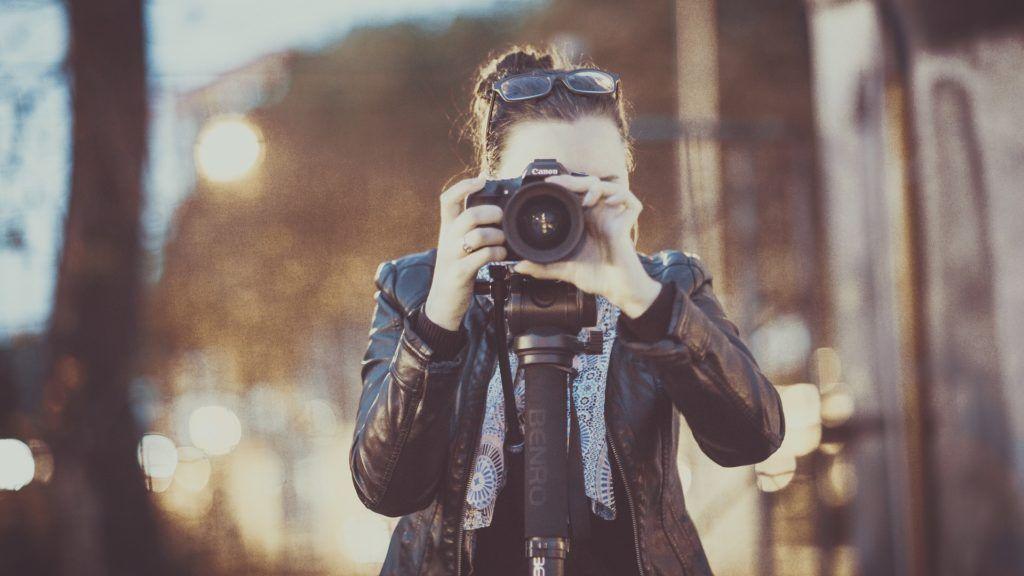 photographer-2179204_1920
